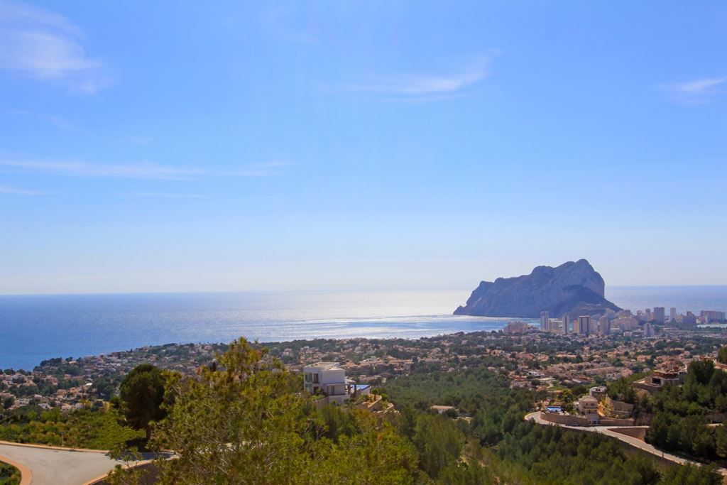 Villa Sena: Exclusivity in a unique enclave. A customised development has been built in plot 34 of R,Spain