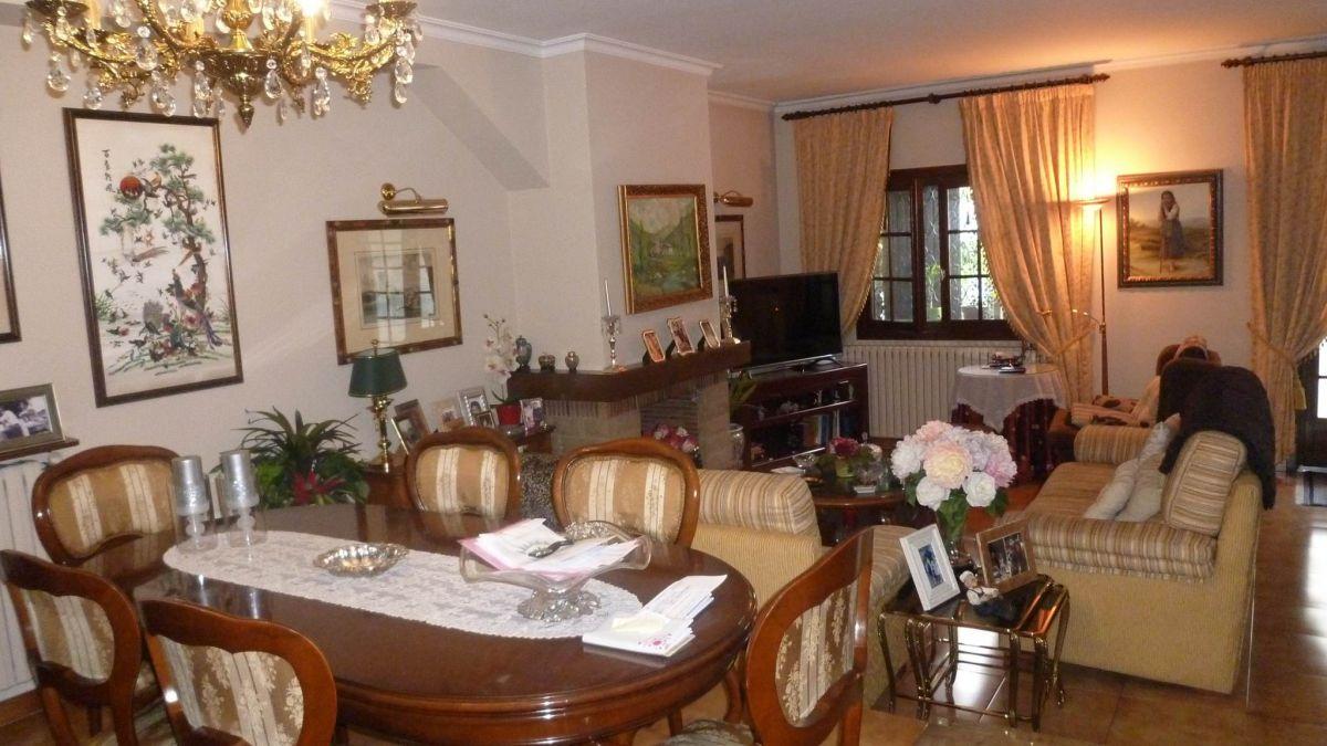 Xalet en venda a Sant Julià de Lòria, 5 habitacions, 300 metres
