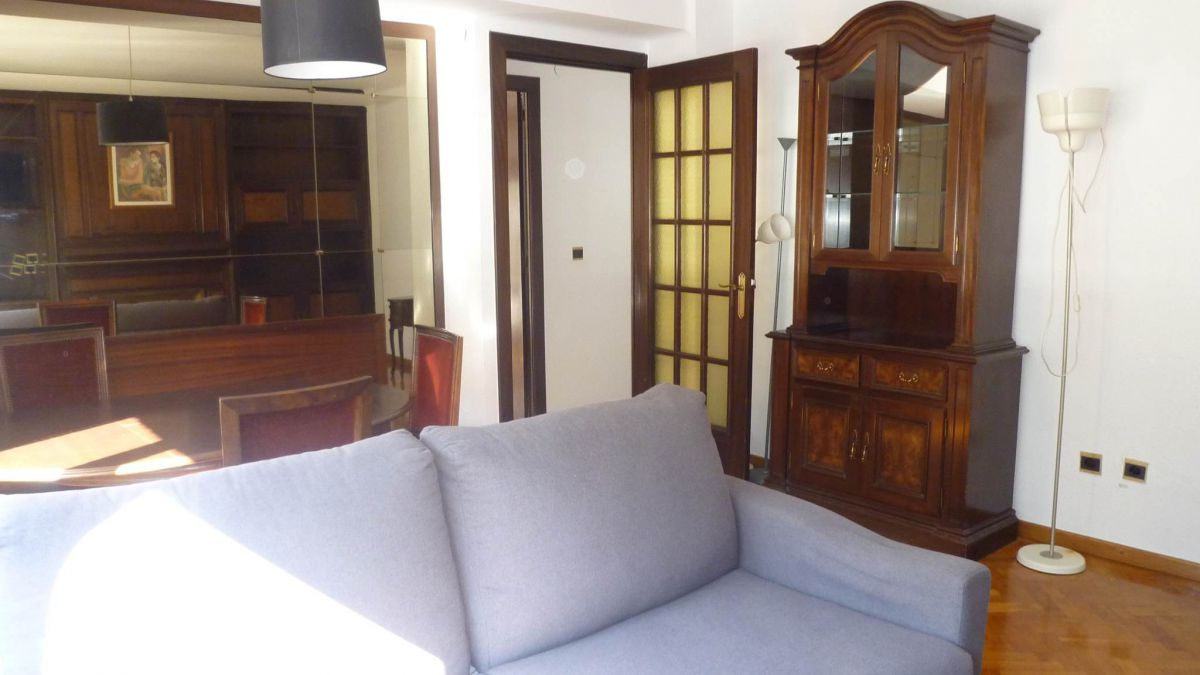 Pis de lloguer a Andorra la Vella, 2 habitacions, 100 metres