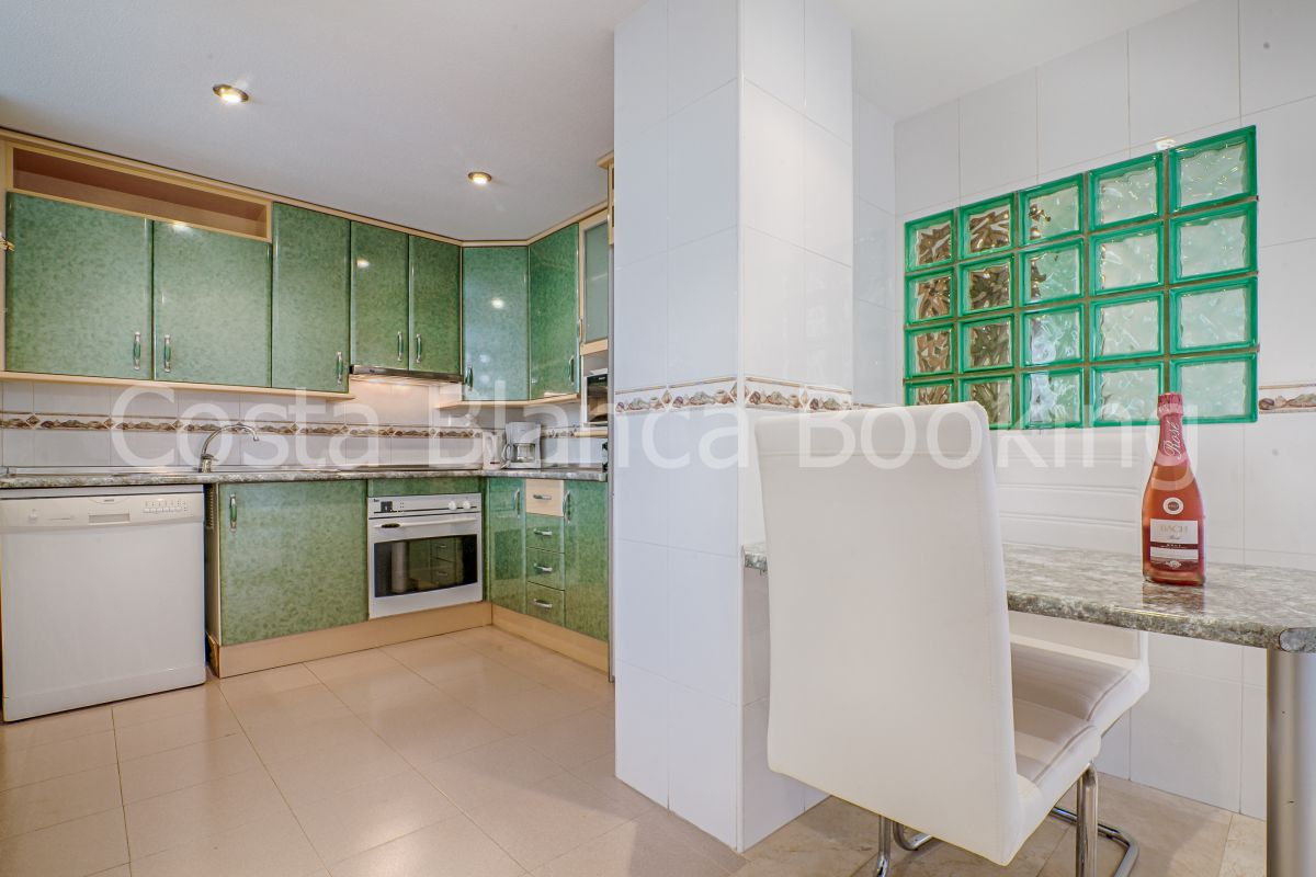 SPACIOUS AND ADORABLE APARTMENT WITH JACUZZI