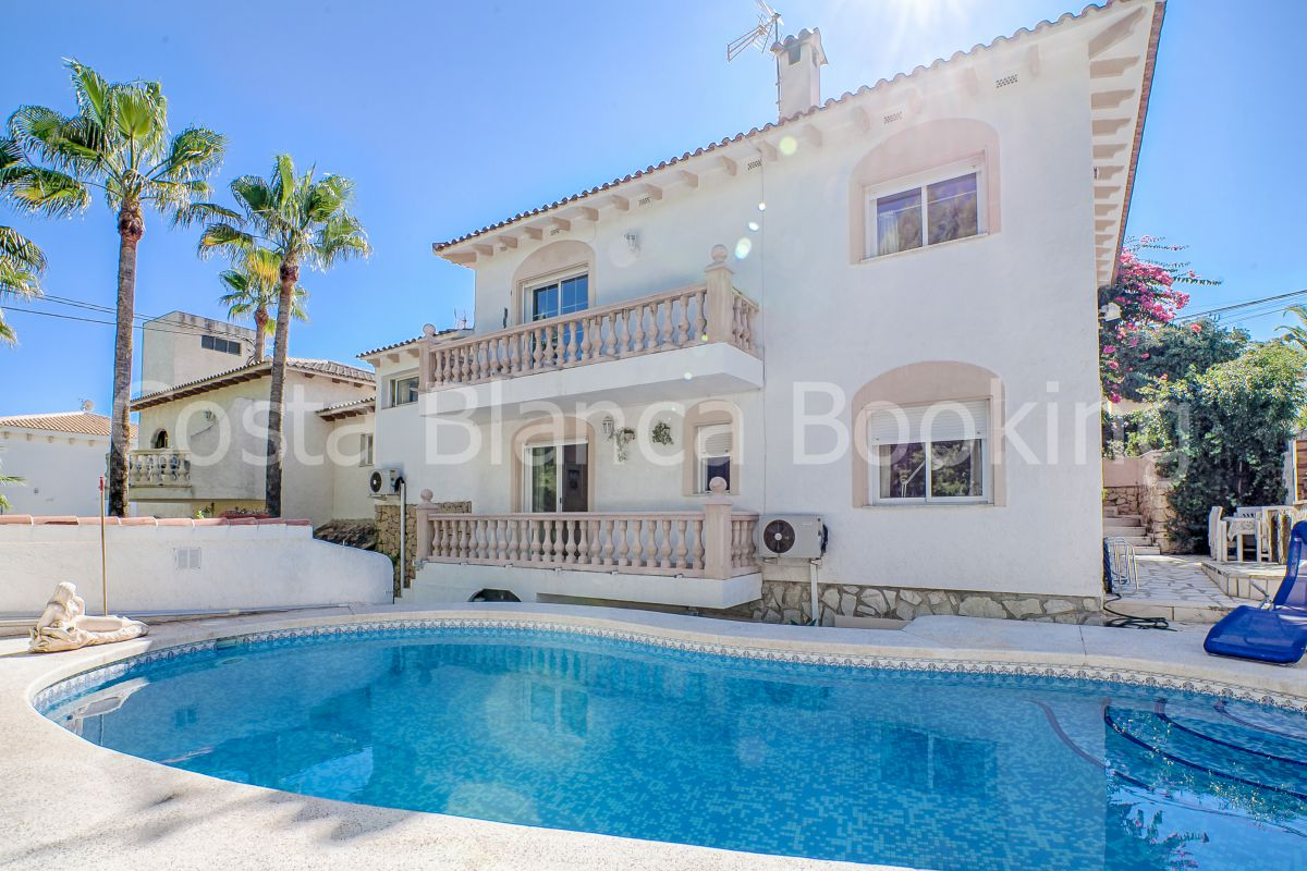 LOVELY VILLA WITH FOREST- AND MOUNTAIN VIEWS