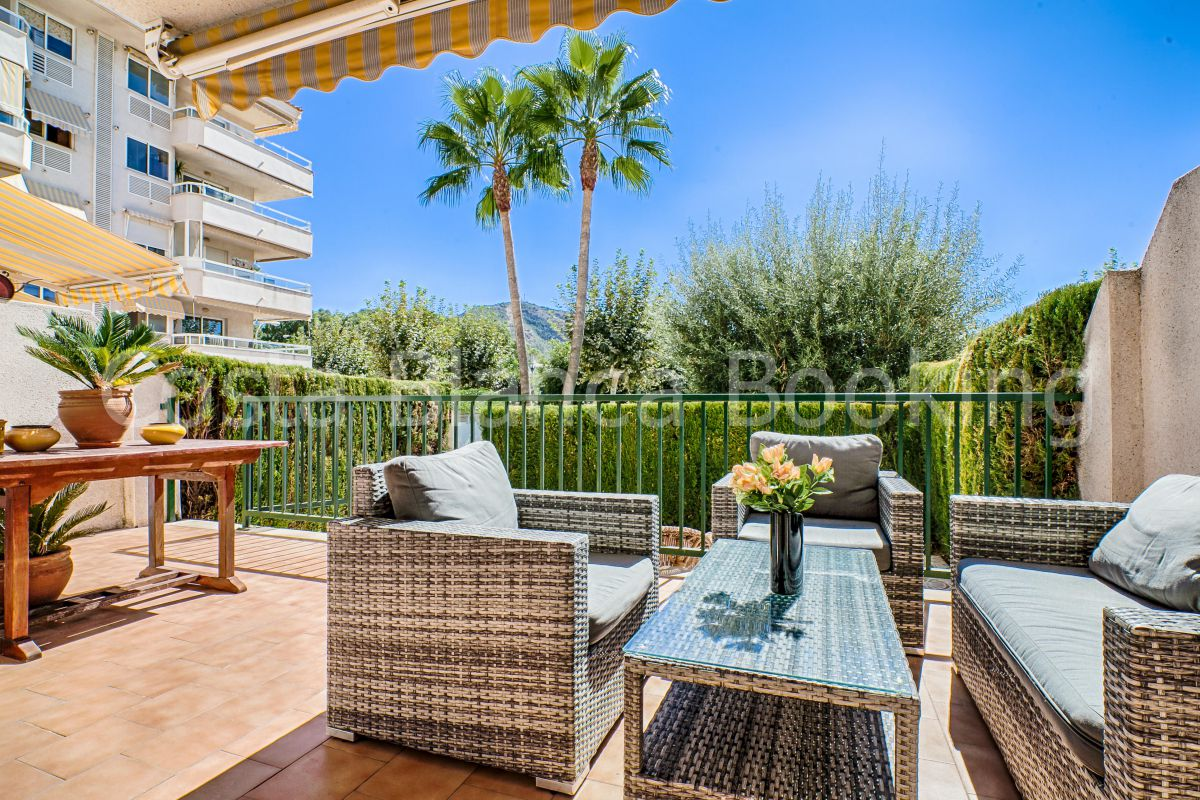 FANTASTIC GROUNDFLOOR APARTMENT WITH SOUTHFACING TERRACE AND GARDEN IN ALBIR