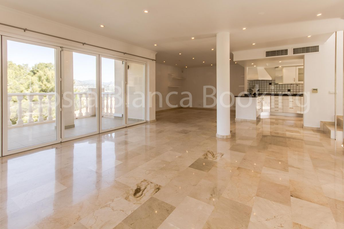 BIG AND MODERN VILLA NEAR THE CENTER OF ALBIR