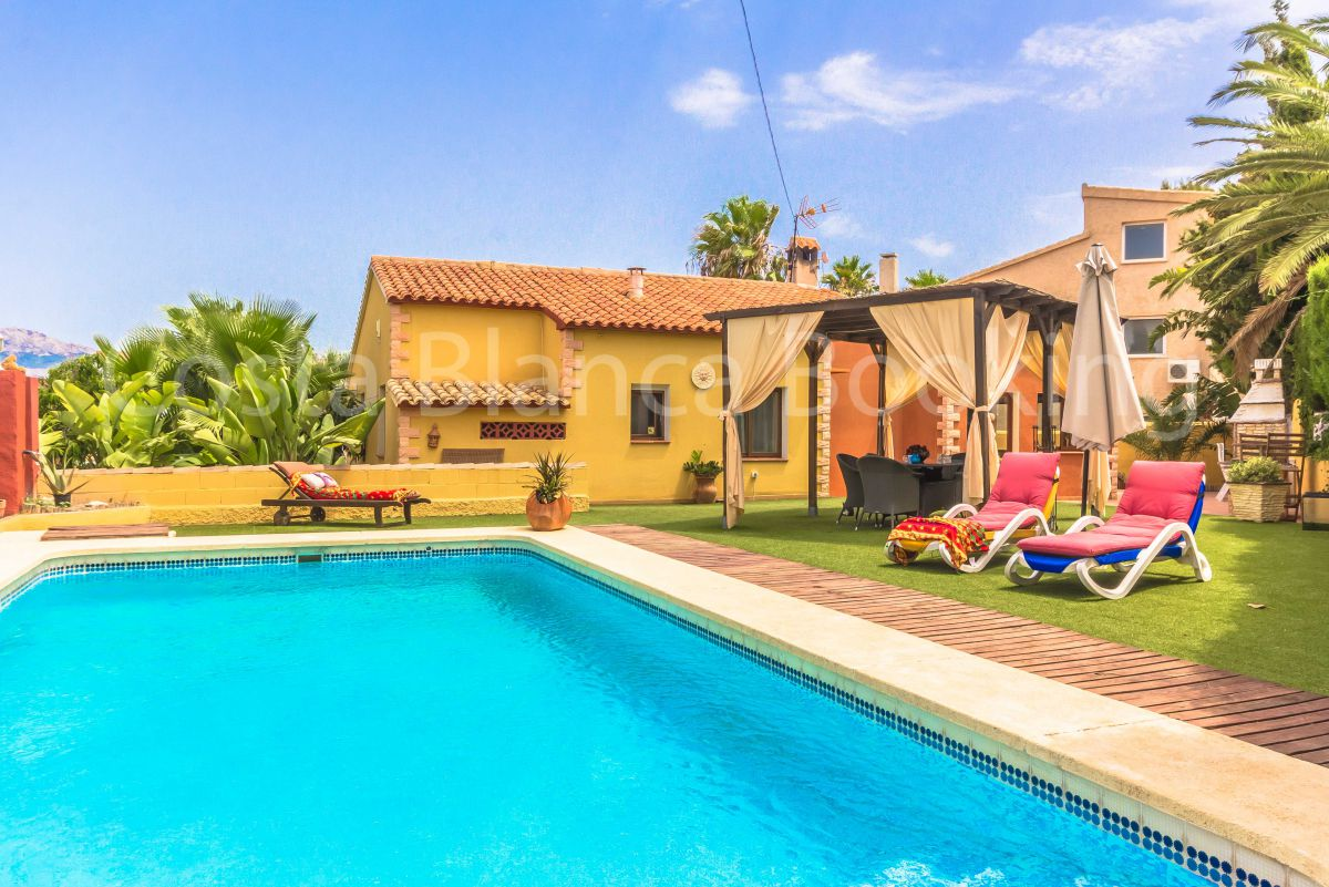 NICE VILLA IN ALBIR WITH SWIMMING POOL