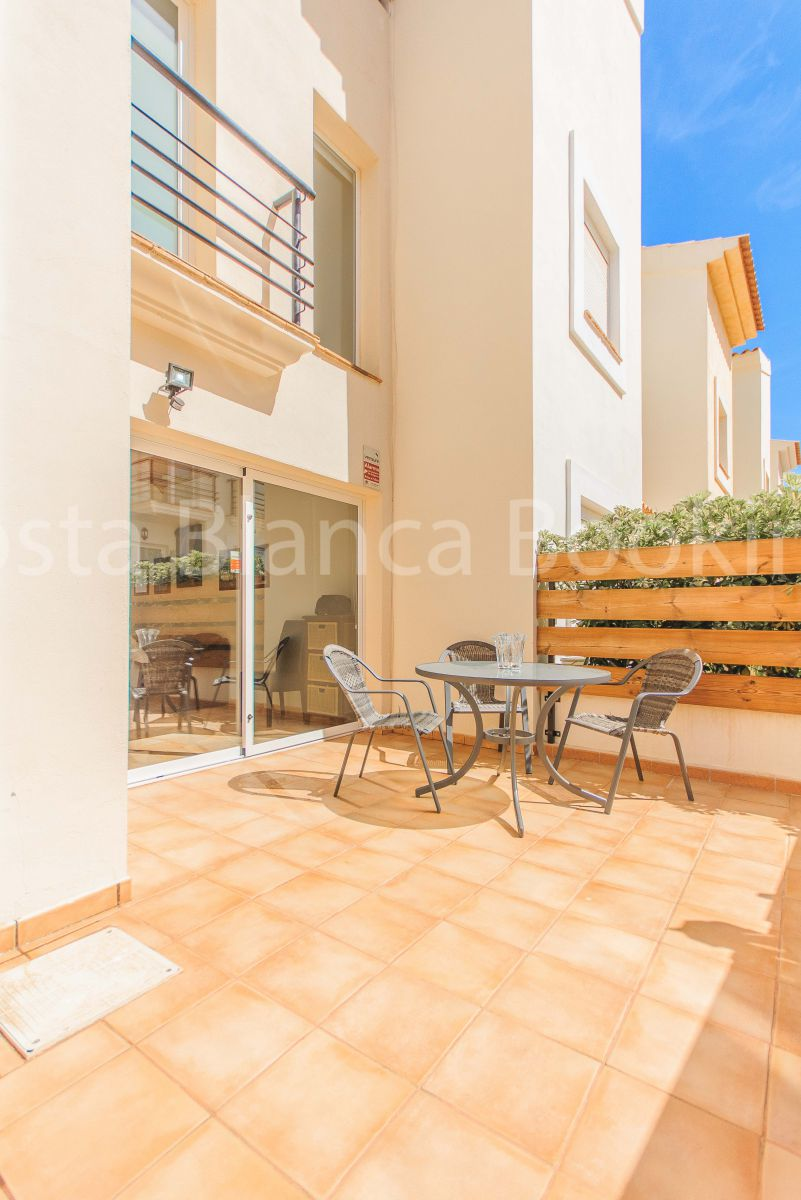 FANTASTIC BUNGALOW IN ALBIR