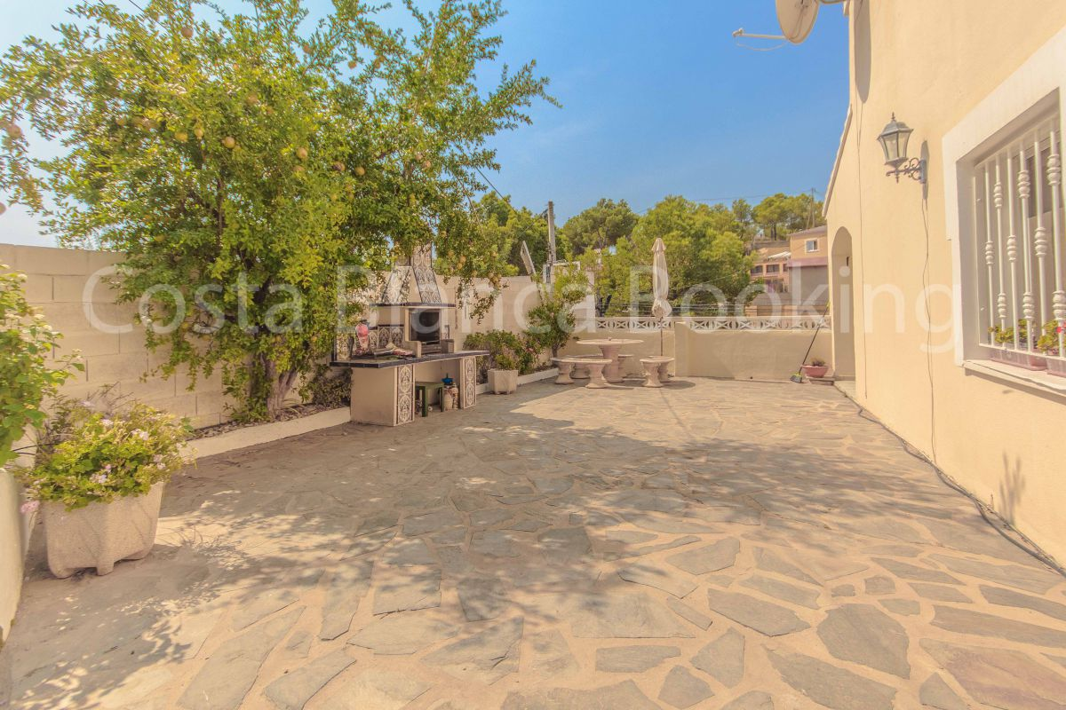 SEMI DETACHED HOUSE FOR SALE IN ALFAZ WITH PRIVATE POOL
