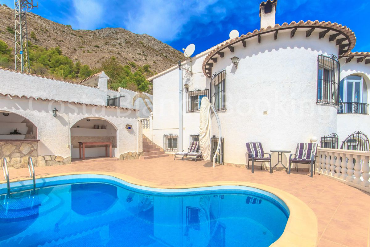 CHARMING VILLA WITH PANORAMIC VIEWS