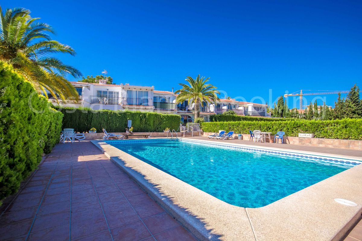 APARTMENT IN ALBIR WITH POOL AND PRIVATE GARAGE