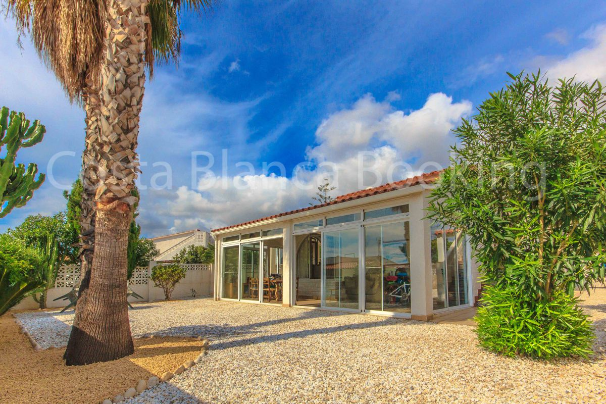 NICE VILLA WITH LARGE TERRACES AND SEA AND MOUNTAIN VIEWS