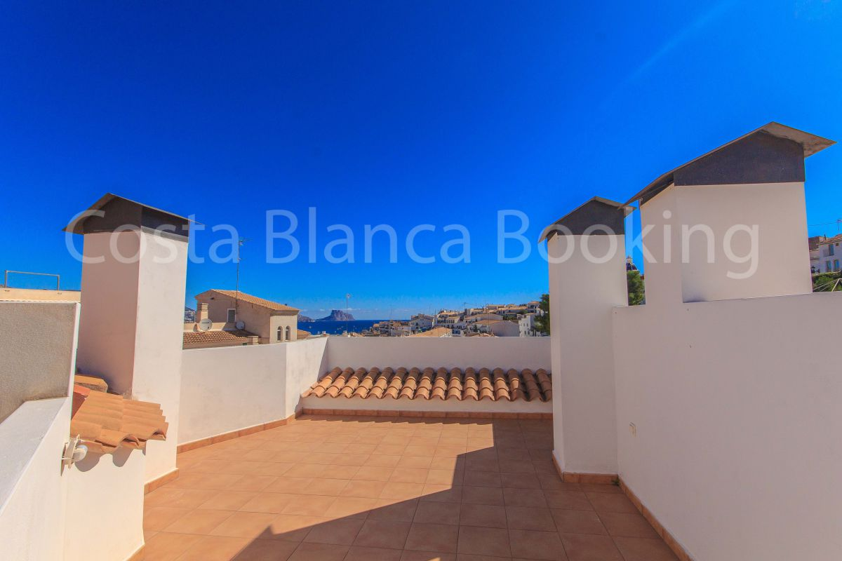 SPACIOUS APARTMENT IN ALTEA WITH BIG COMMNUNITY POOL
