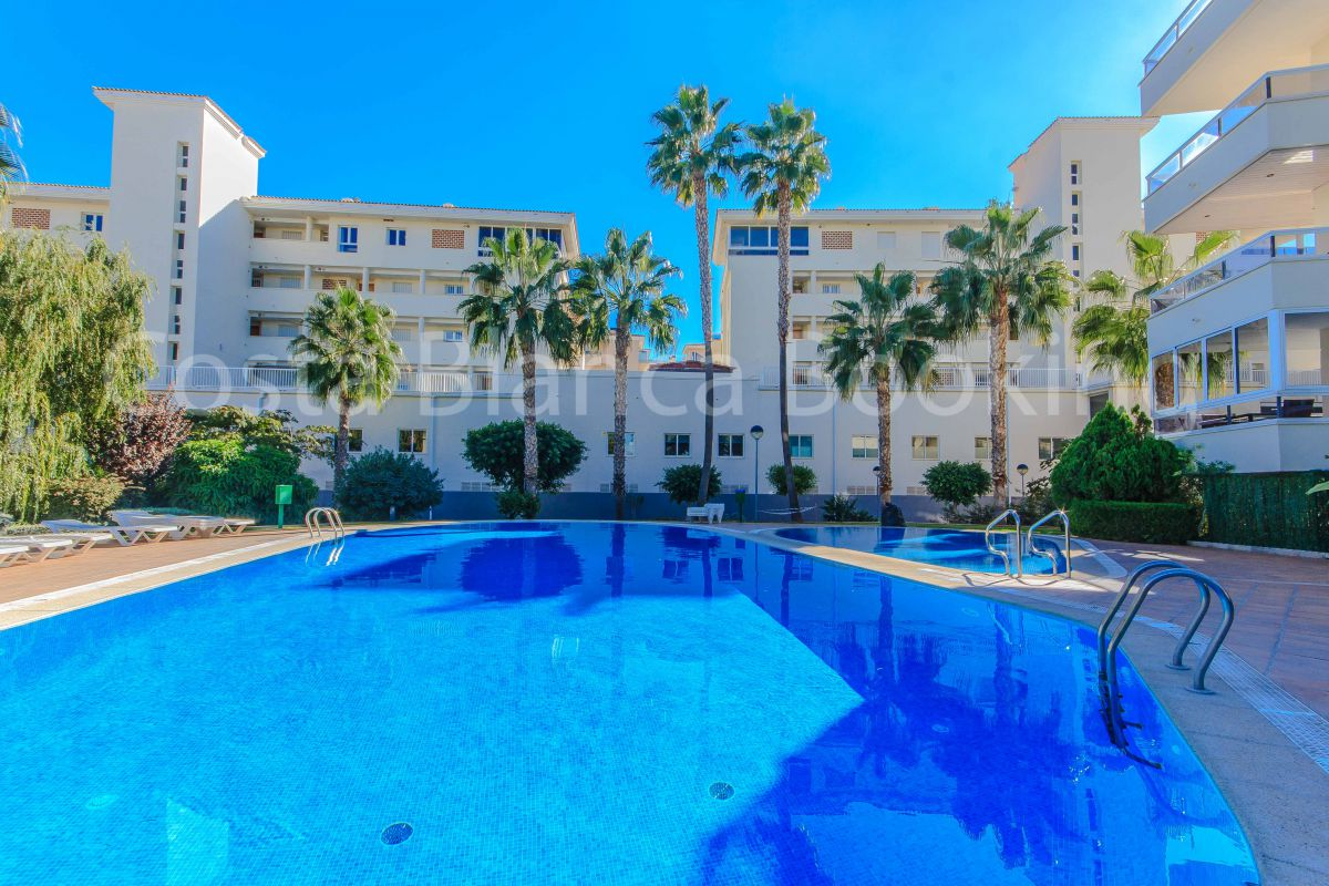 PRETTY APARTMENT IN THE CENTER OF ALBIR AND CLOSE TO THE BEACH