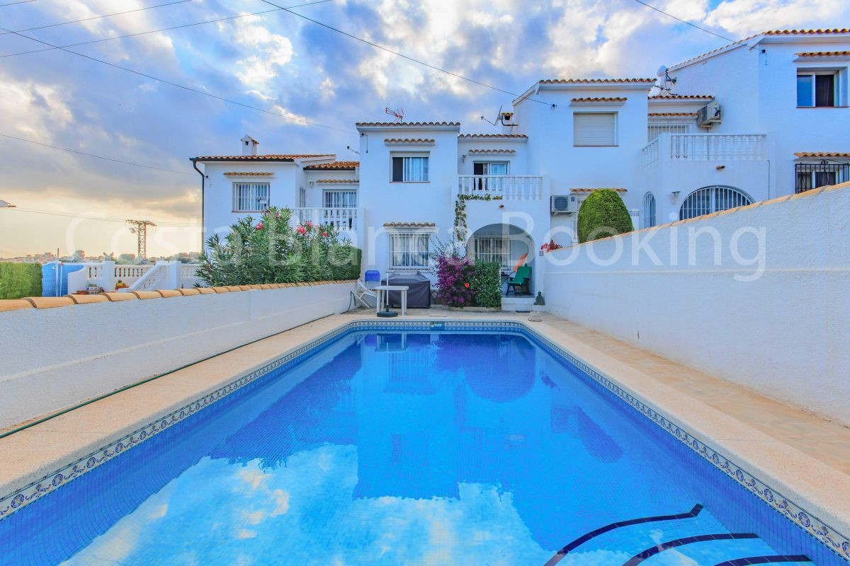 VILLA NEAR THE CENTER OF ALBIR