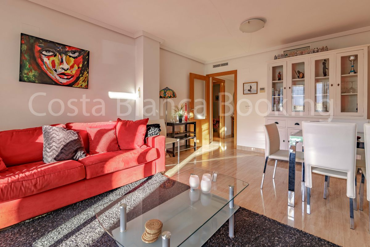 FANTASTIC APARTMENT WITH GREAT SUNNY TERRACE