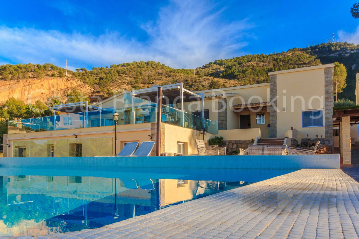 SEA VIEW VILLA IN ALBIR WITH SEA VIEWS AND 2 GUEST APARTMENTS