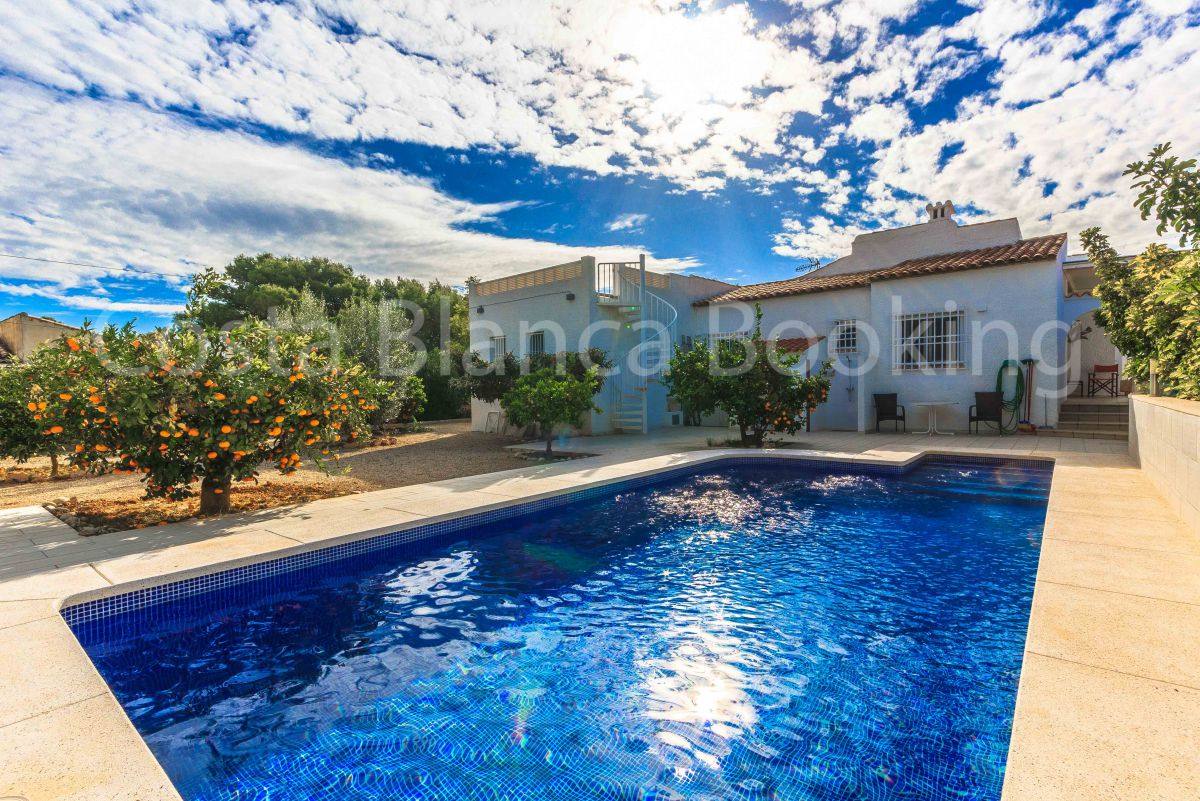 BEAUTIFUL VILLA IN ALFAZ