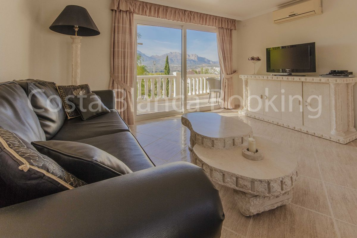 LUXURY COMPLEX IN ALBIR FORMED BY 6 COMPLETE APARTMENTS