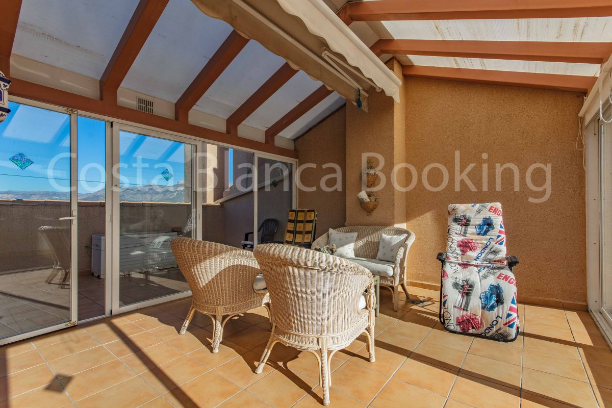 WONDERFUL AND SUNNY PENTHOUSE IN ALBIR