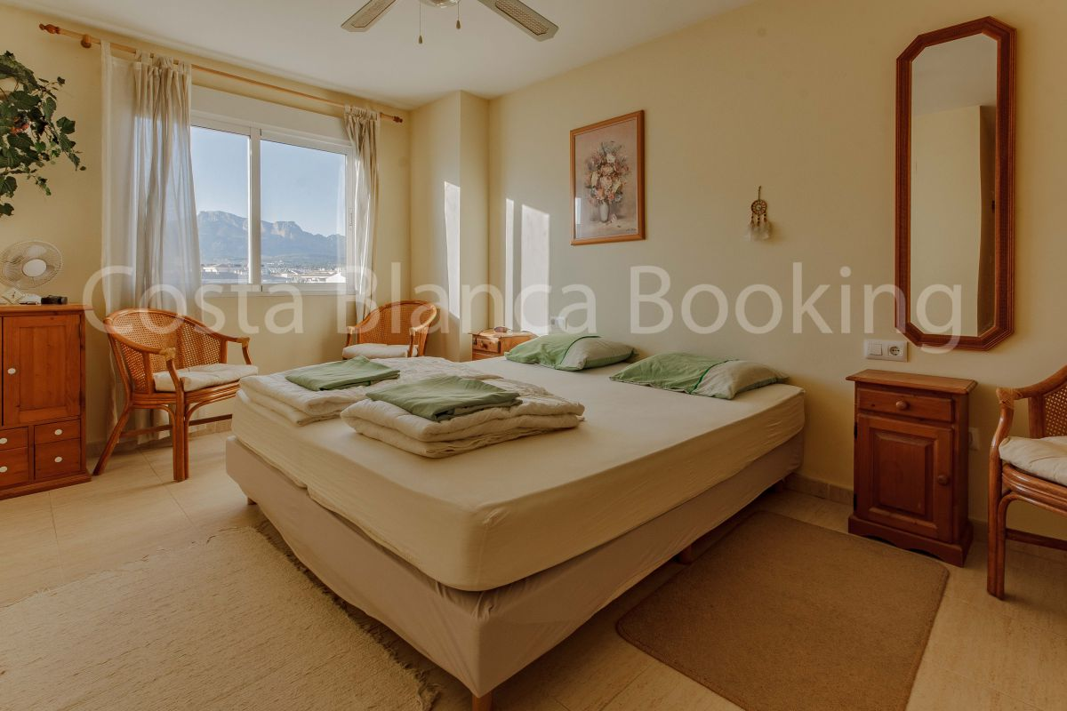 DOWNTOWN APARTMENT WITH THREE BEDROOMS IN ALBIR