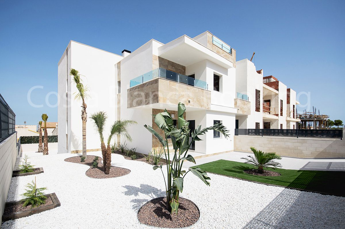 LUXURY APARTMENTS WITH PRIVATE GARDEN, HEATED POOL AND SAUNA