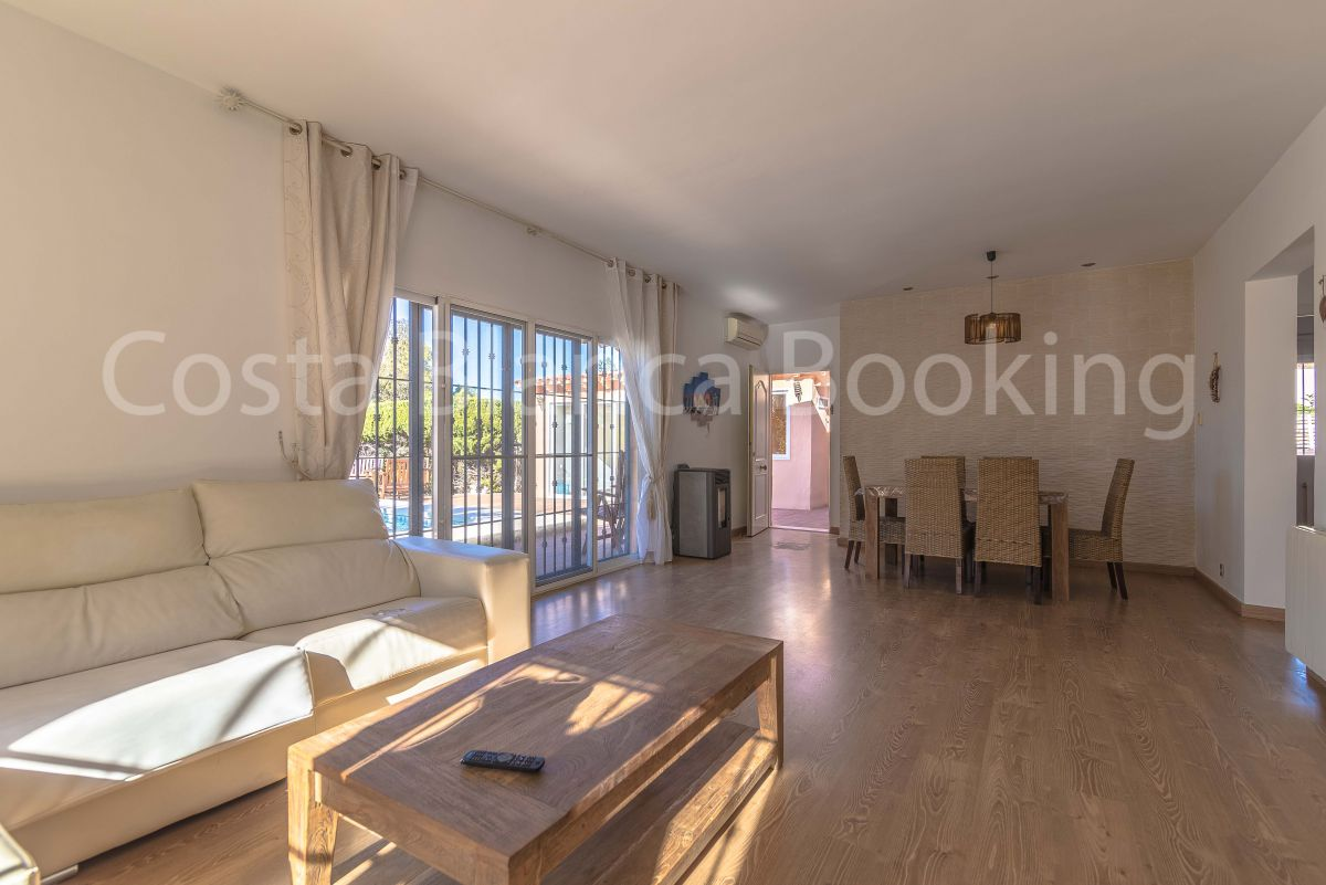 BEAUTIFUL AND SUNNY CHALET IN ALBIR
