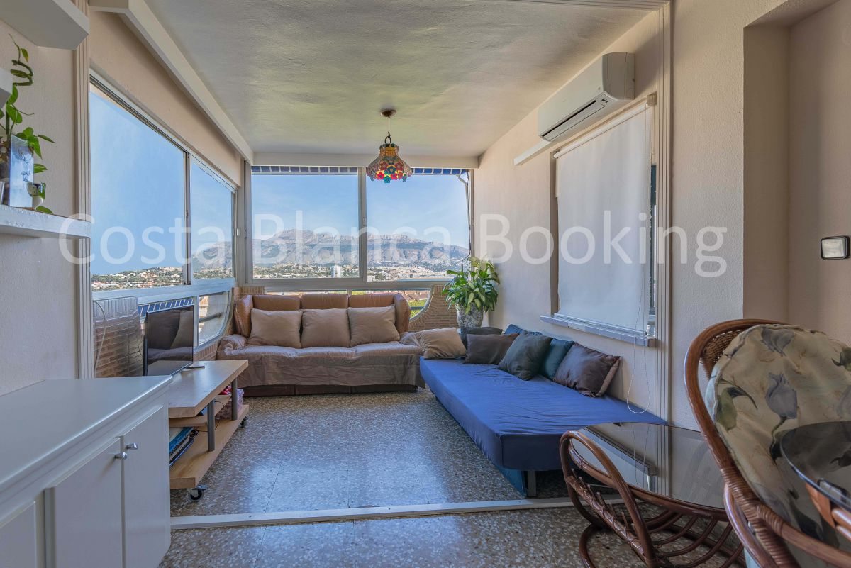 APARTMENT NEAR THE CENTER WITH FANTASTIC SEA VIEWS