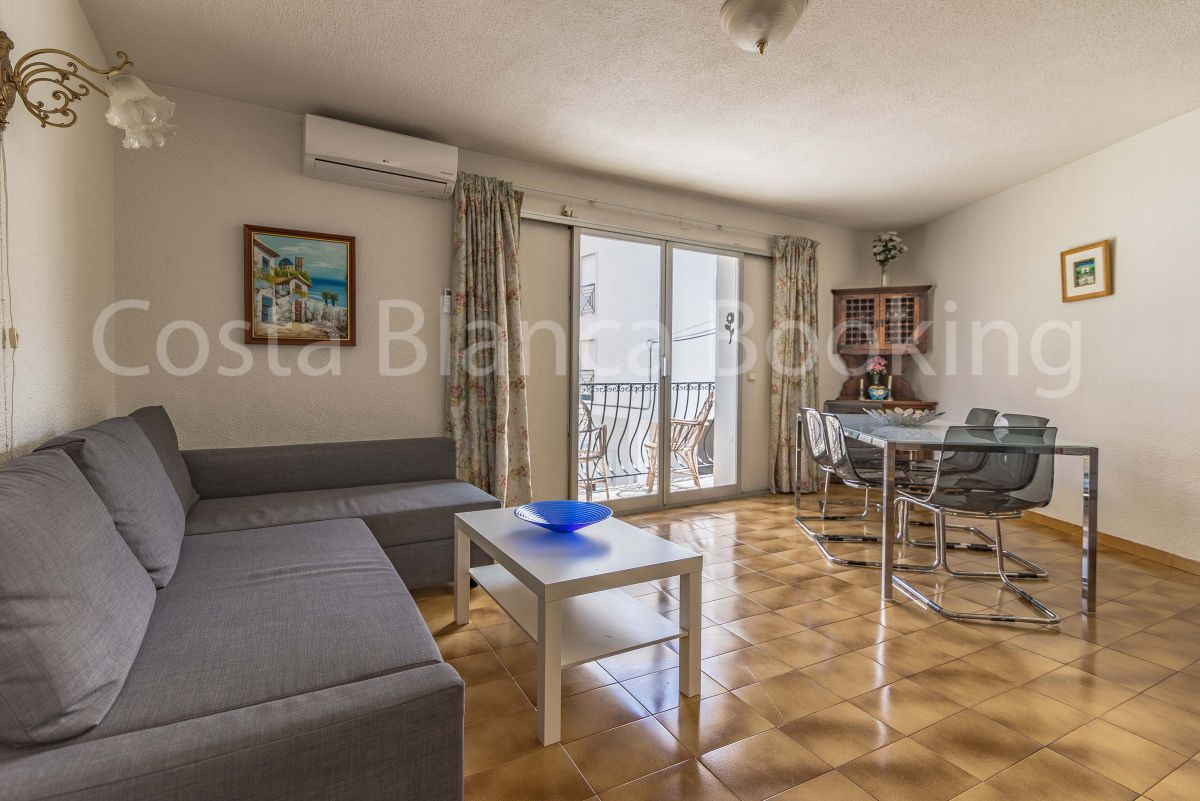 APARTMENT CLOSE TO THE OLD TOWN FROM ALTEA