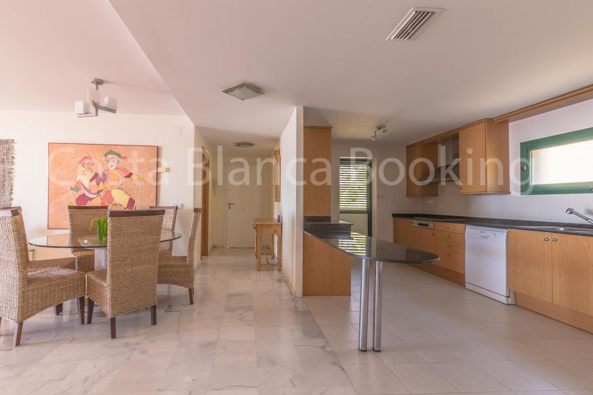 FANTASTIC PENTHOUSE IN ALTEA HILLS WITH PANORAMIC VIEWS TO THE SEA