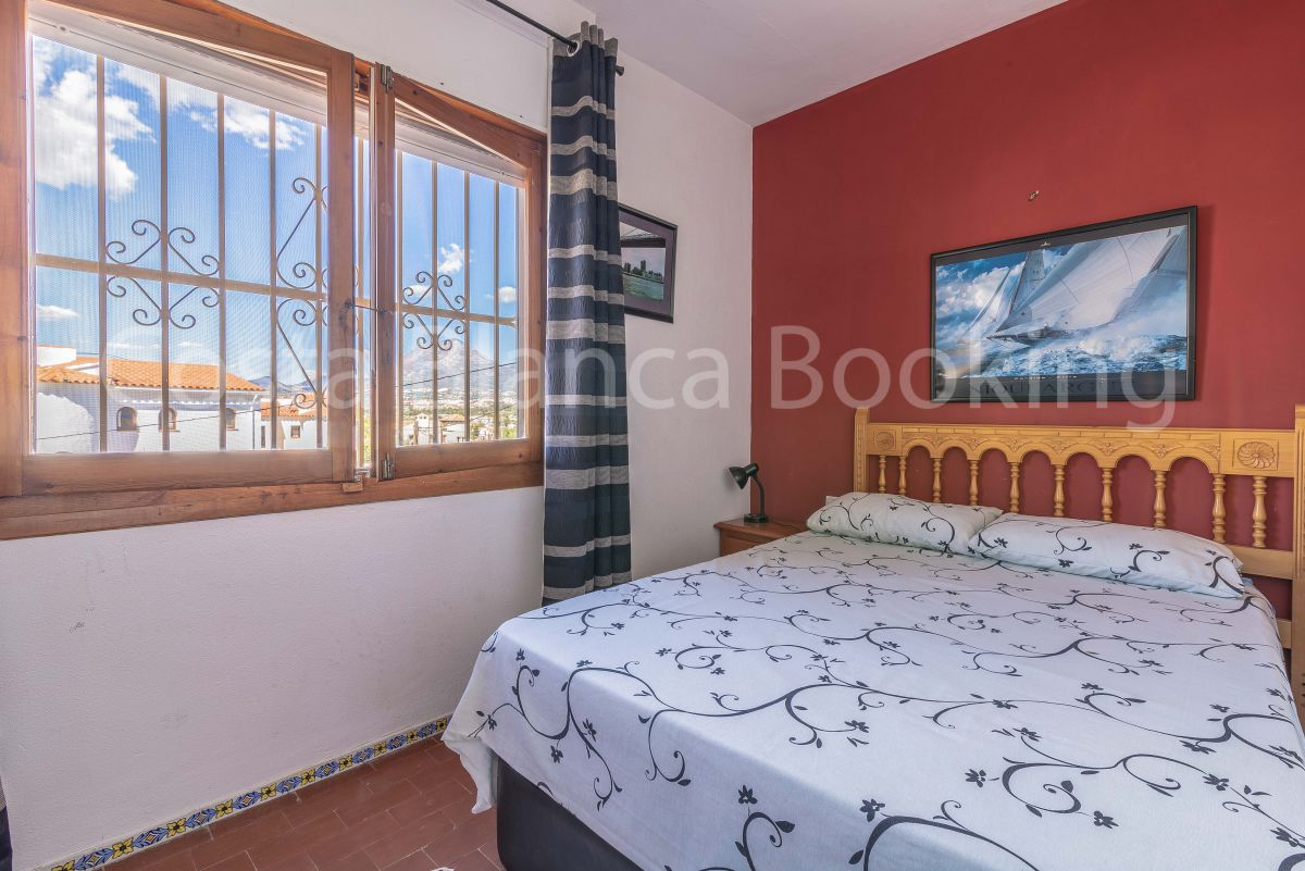 APARTMENT WITH SEA VIEW IN ALBIR