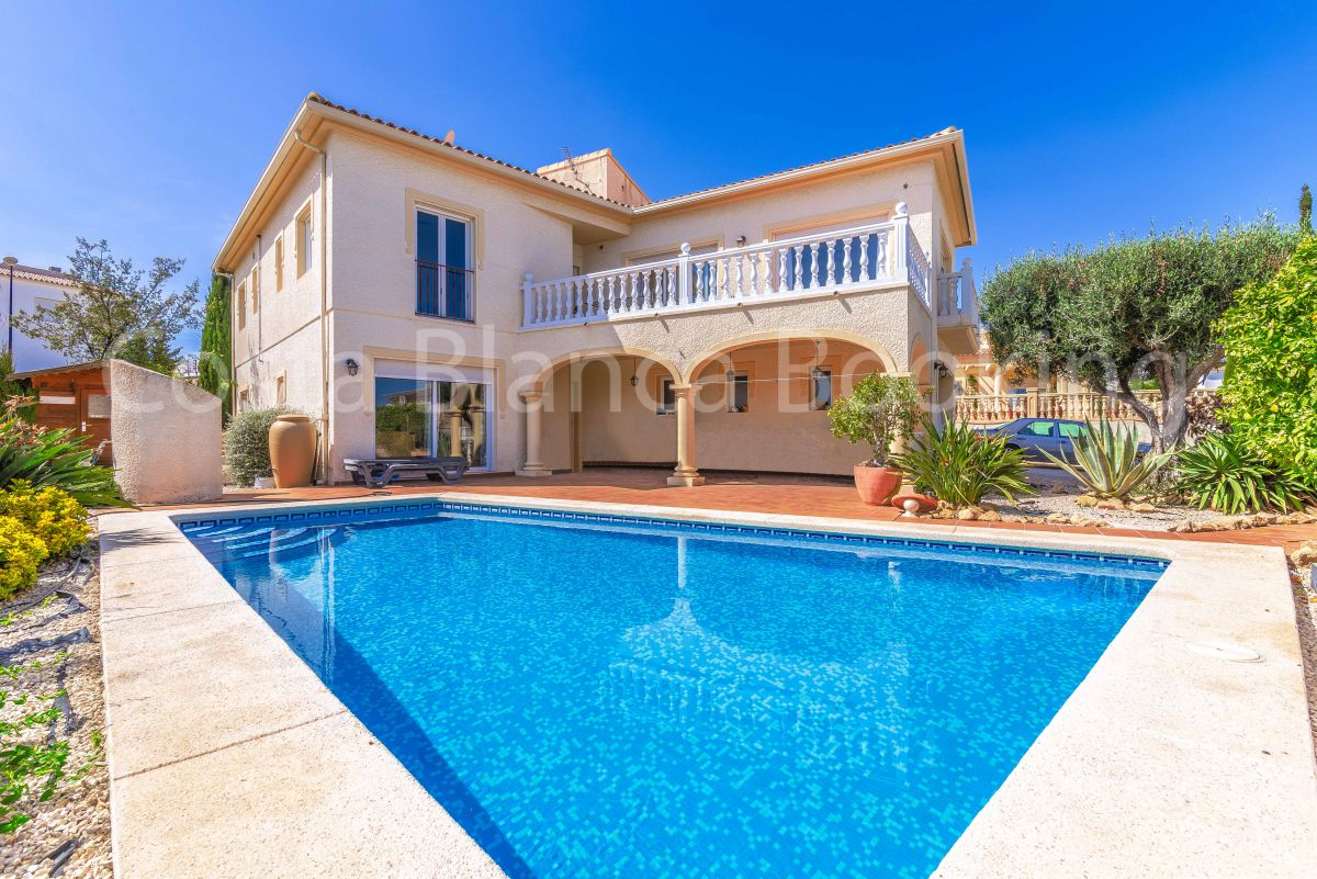 BEAUTIFUL VILLA IN QUIET AREA IN LA NUCIA
