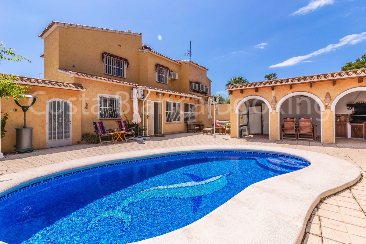 BEAUTIFUL SEMI-DETACHED VILLA NEAR ALFAZ