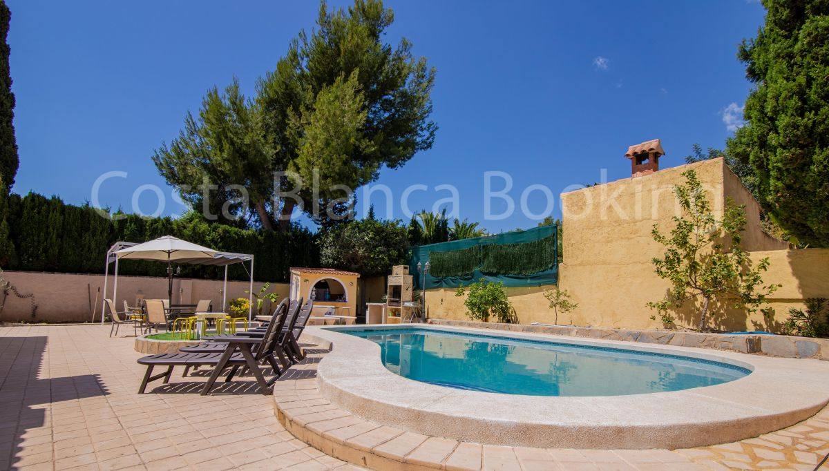 BEAUTIFUL VILLA RECENTLY REFURBISHED IN ALFAZ