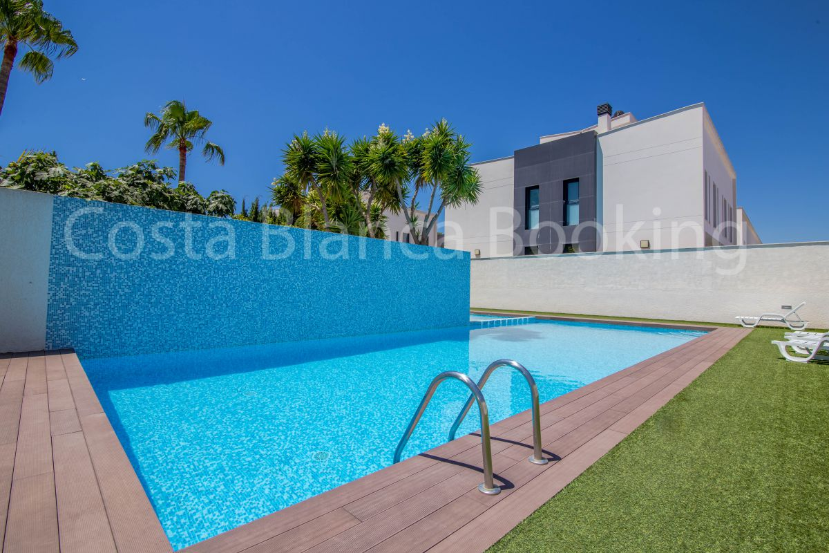 MODERN BUNGALOW IN ALBIR