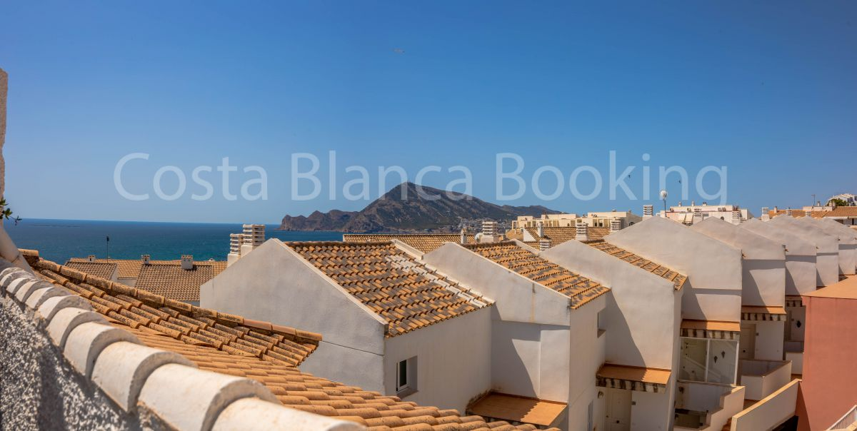 APARTMENT WITH SEA VIEWS IN ALTEA OLD TOWN