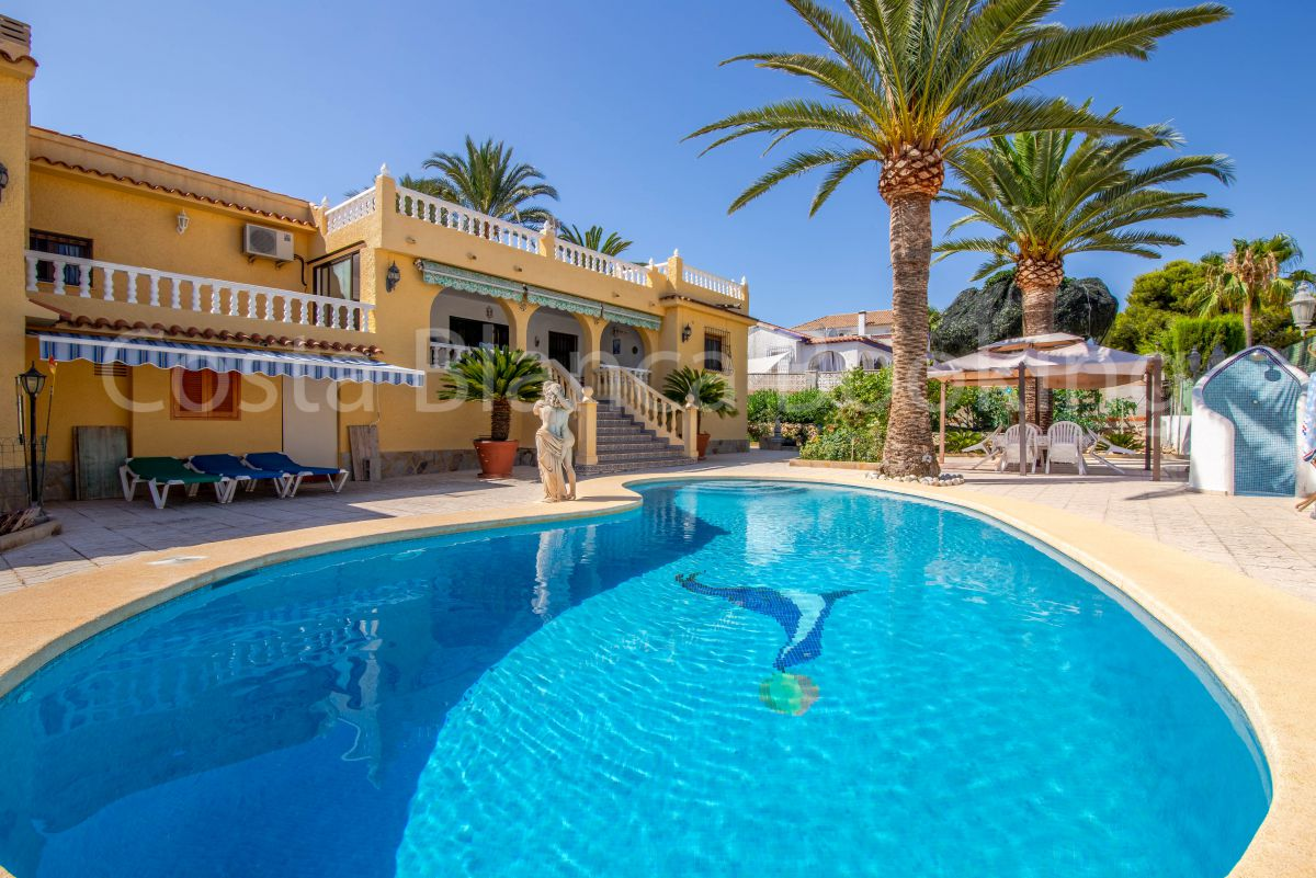 BEAUTIFUL VILLA IN ALBIR NEAR THE CENTER