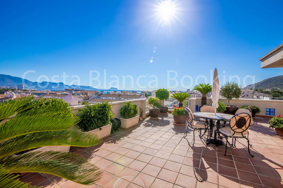 FANTASTIC PENTHOUSE IN THE CENTER OF ALBIR