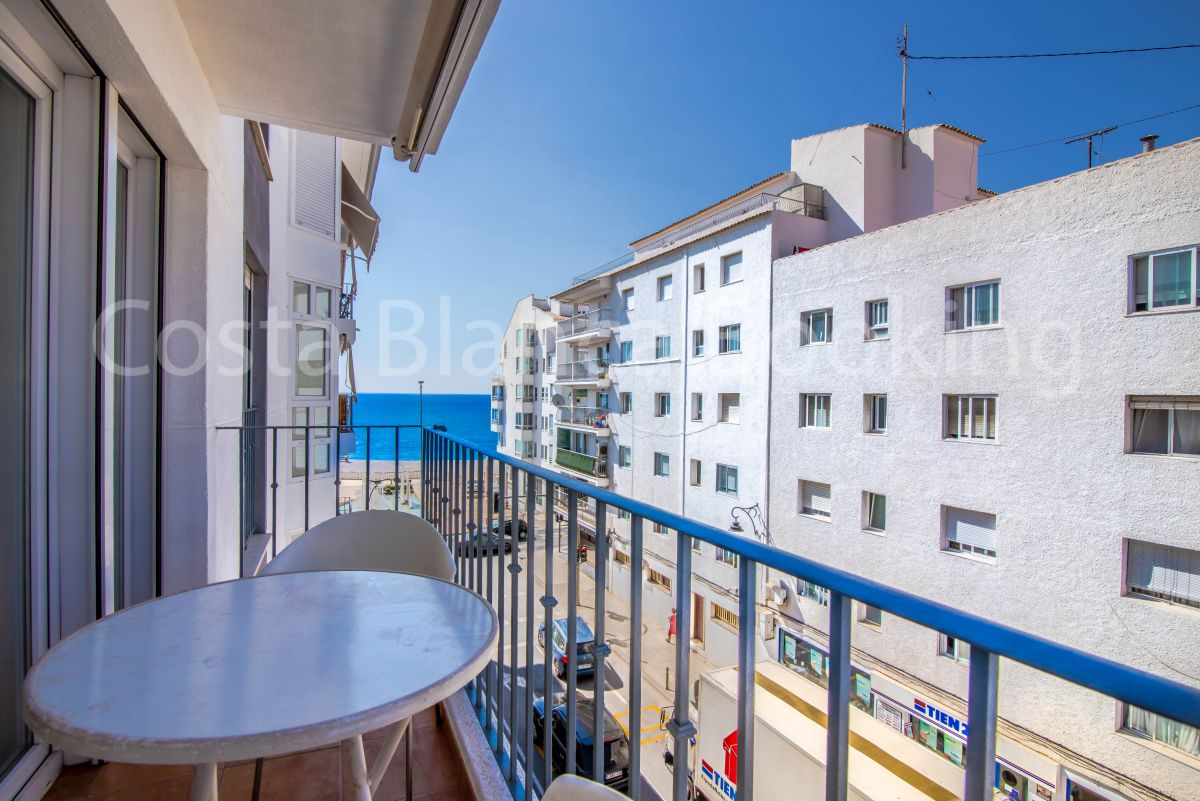 CORNER APARTMENT ONE STEP FROM THE ALTEA BEACH