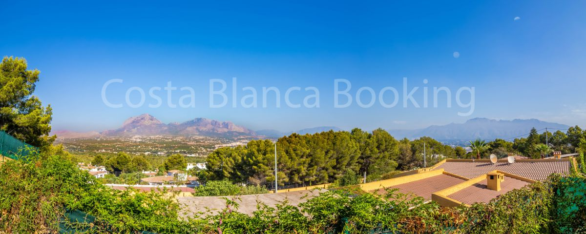 PRECIOUS VILLA IN THE MOUNTAINS OF ALBIR