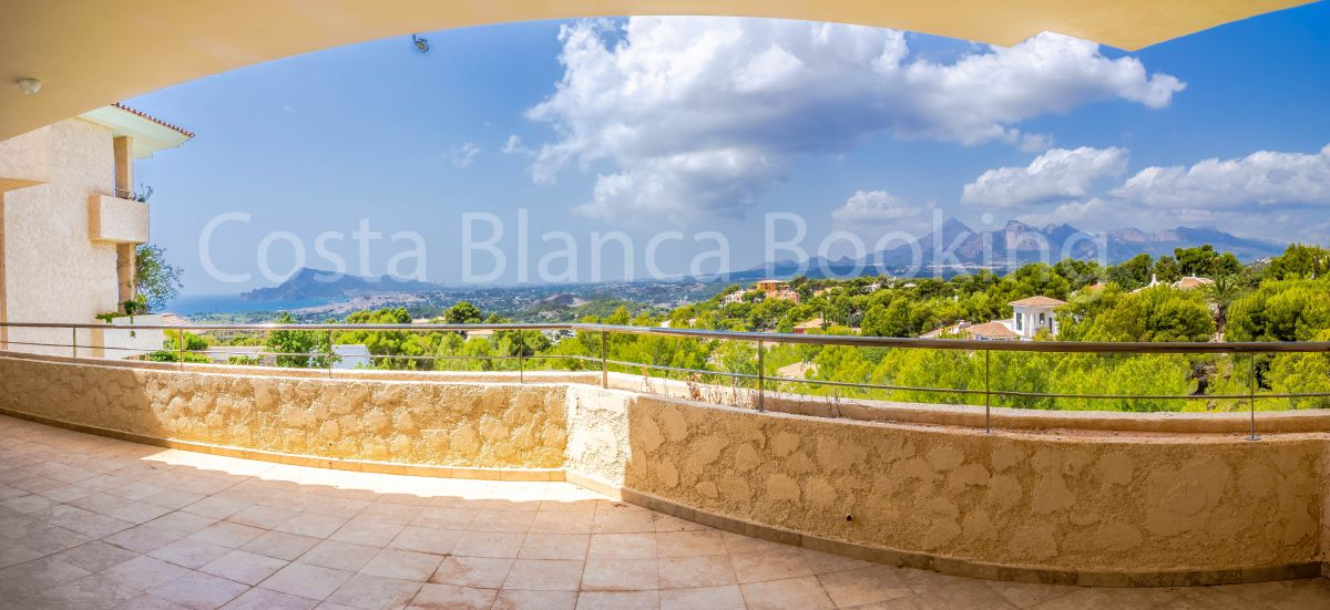 AMAZING PENTHOUSE WITH VIEWS IN ALTEA LA VELLA
