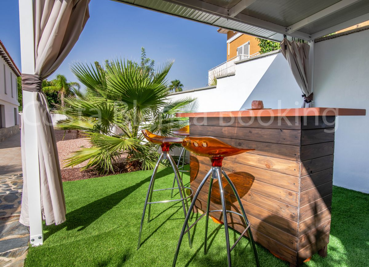 FANTASTIC MODERN STYLE VILLA COMPLETELY RENOVATED