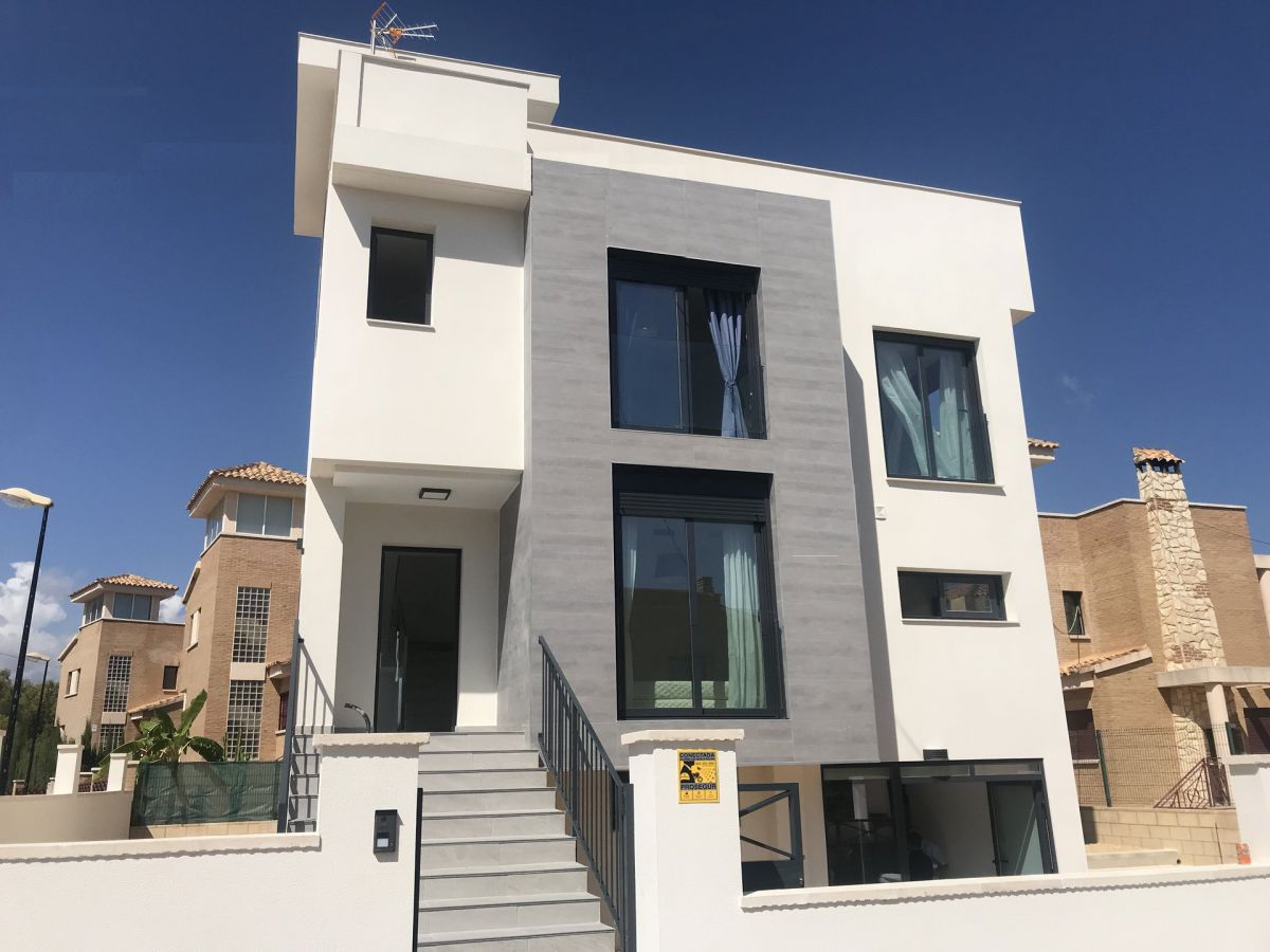 NEW CONSTRUCTION VILLA IN LA NUCIA