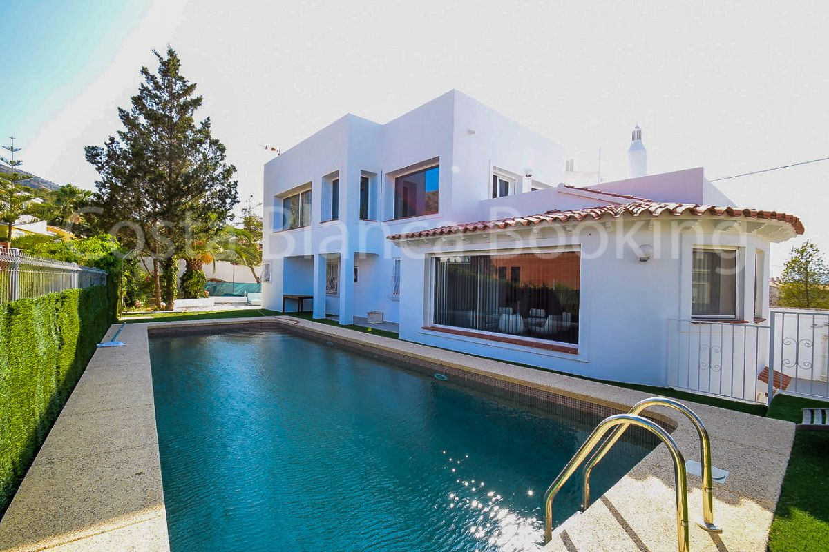 FANTASTIC VILLA IN THE ALBIR & SPECIAL OFFER