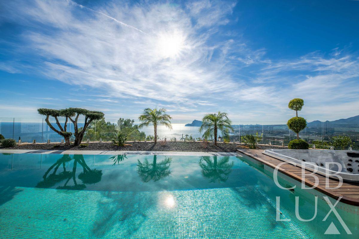 Luxury Dream Villa mit  atemberaubenden Aussicht