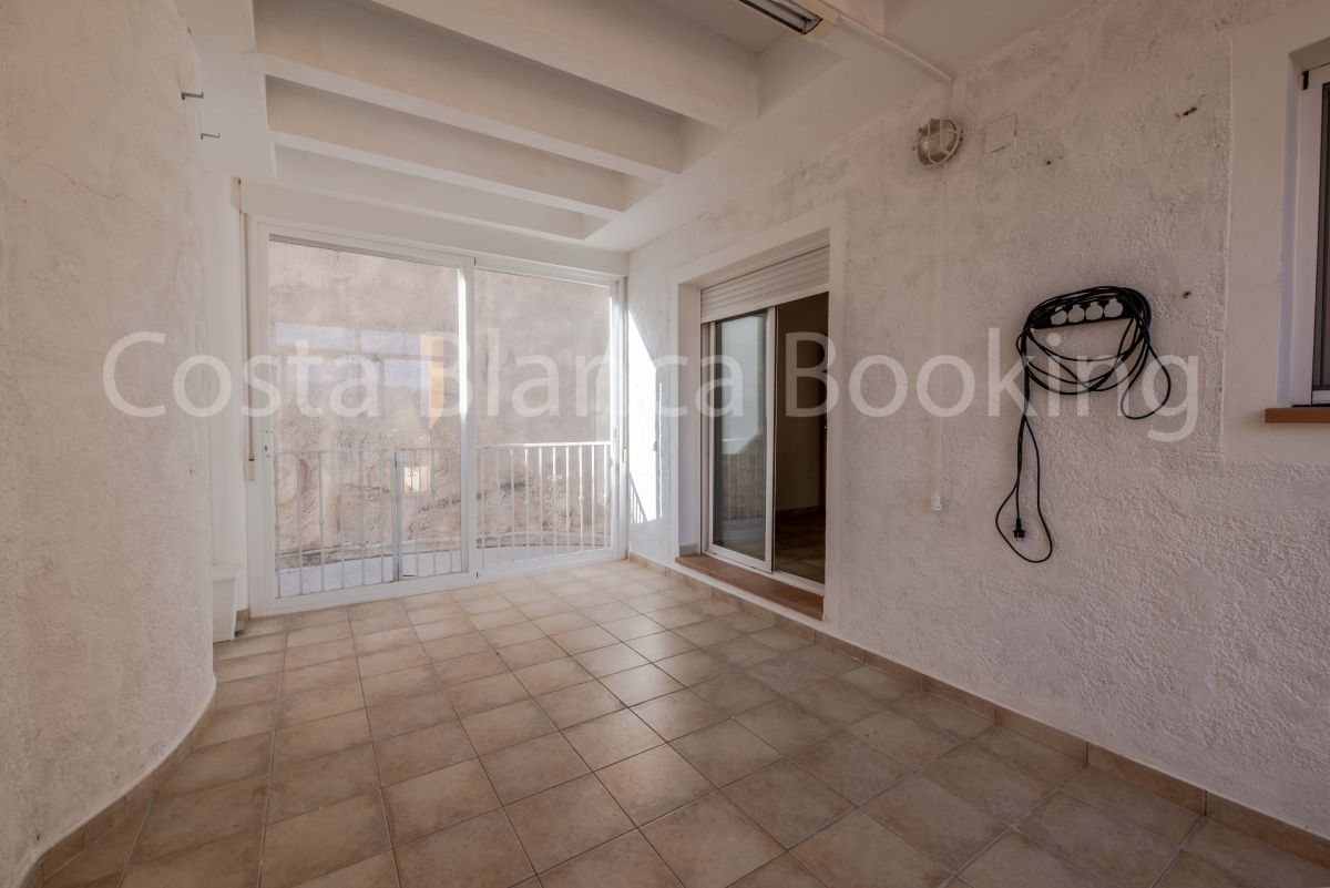 SUNNY CORNER TOWNHOUSE WITH PRIVATE POOL  AND NEAR THE TOWN