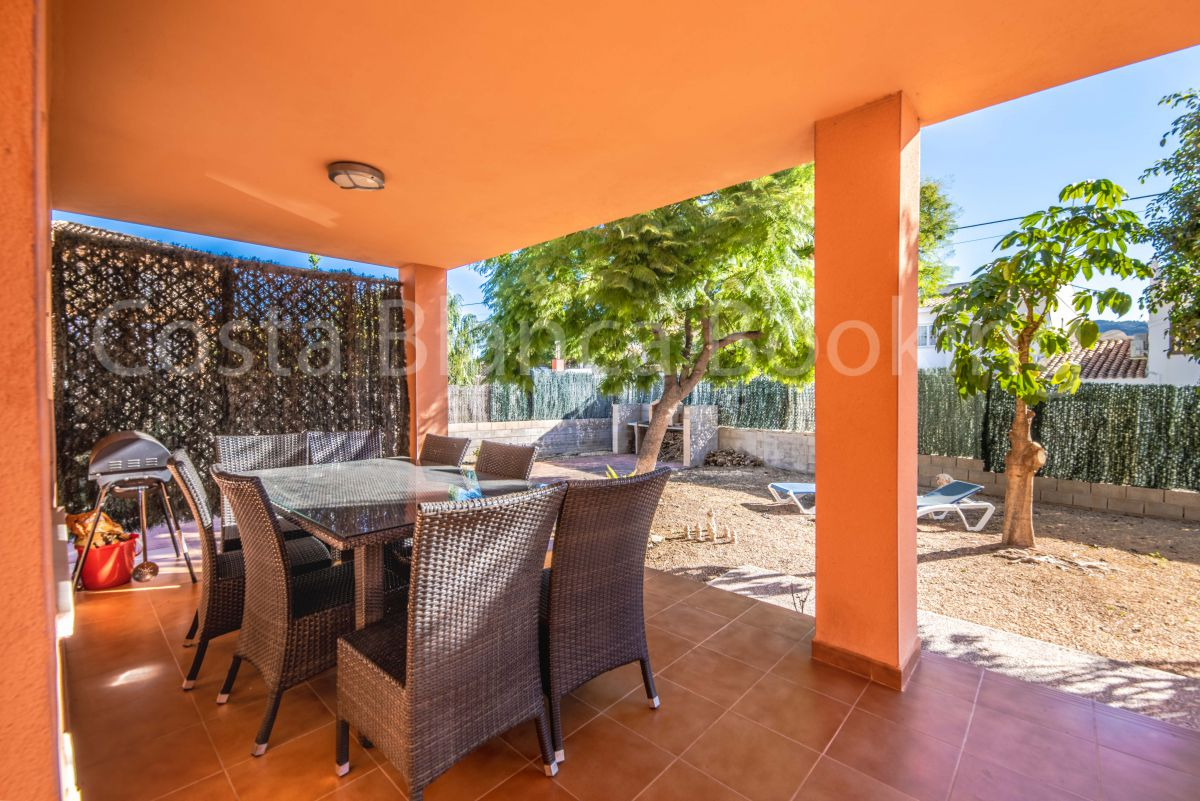 GREAT VILLA WITH GUEST APARTMENT NEAR ALFAZ
