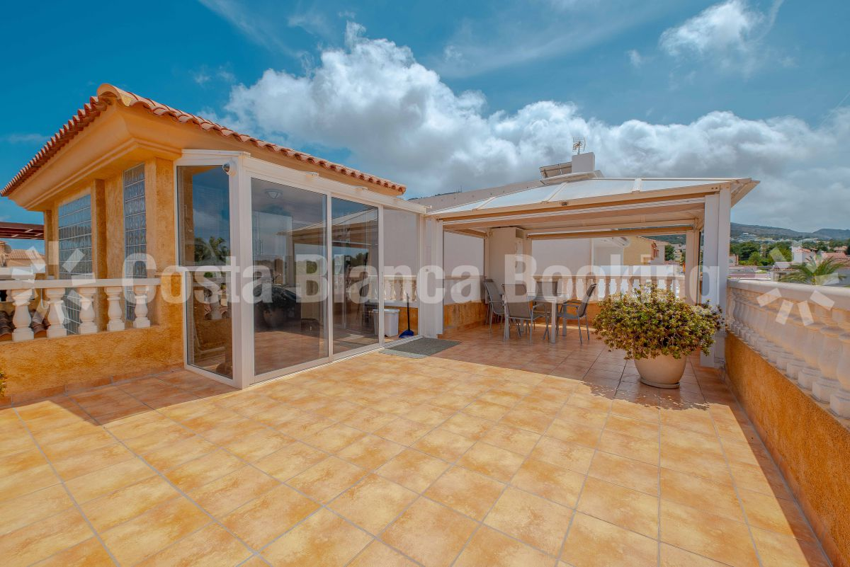 GREAT VILLA WITH TWO INDEPENDENT HOMES NEAR THE CENTER OF ALBIR