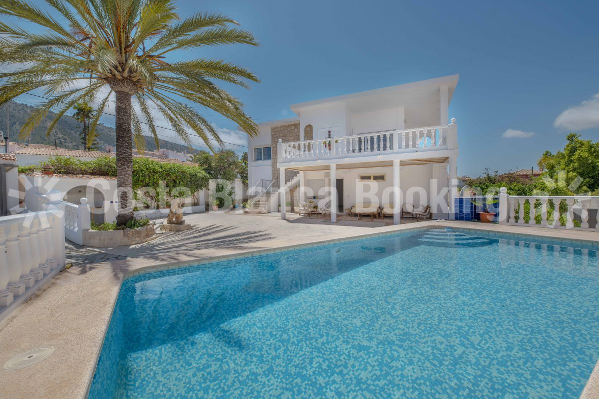 BEAUTIFUL VILLA WITH PANORAMIC SEAVIEW