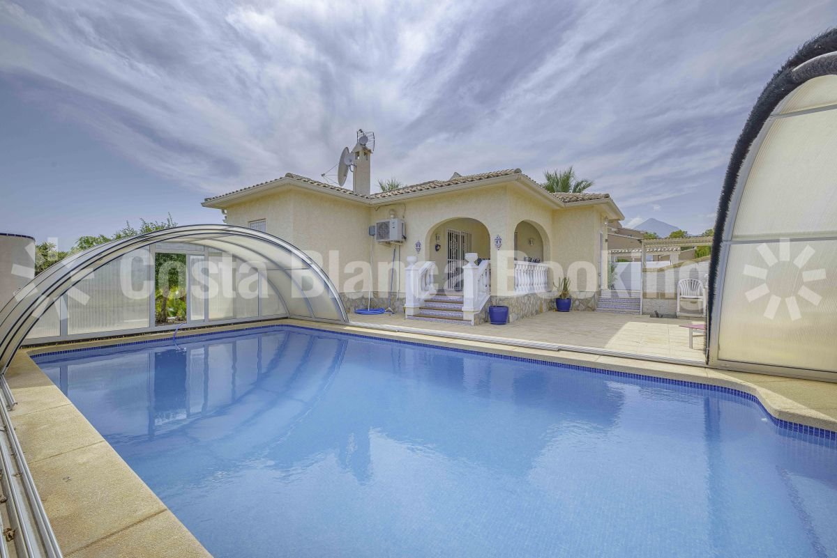 GREAT VILLA WITH COVERED POOL NEAR ALTEA AND ALFAZ