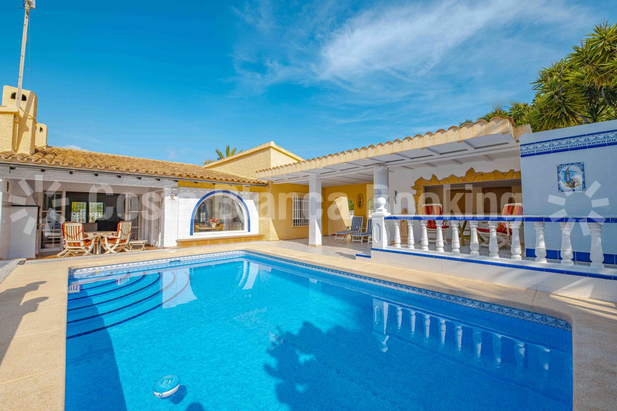 SUNNY AND ATTRACTIVE VILLA WITH PRIVATE POOL
