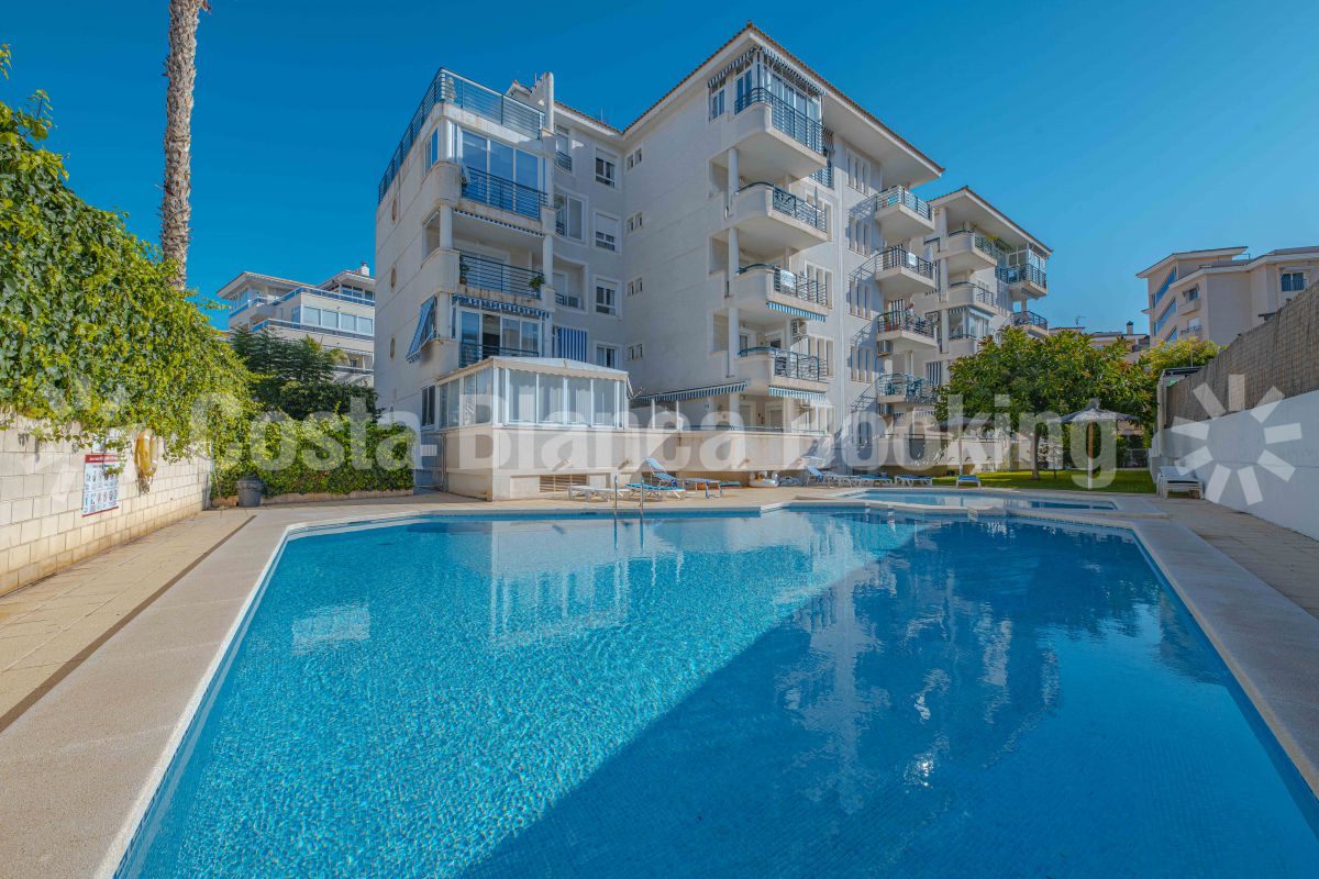 SUNNY APARTMENT IN THE CENTER OF ALBIR