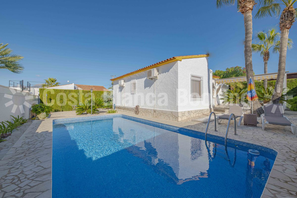 COZY VILLA WITHIN WALKING DISTANCE TO THE CENTER OF ALBIR